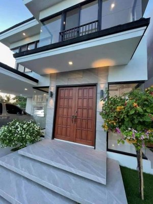 Brandnew House and Lot Inside High End Subd in Lapu Lapu City